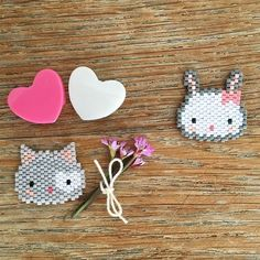 P'tit Chat Joli Cœur a tout essayé ...mais le cœur de Pinpinette est déjà pris...par Jeannot le plus beau... Mariage J-3 ! #jenesuispasfollevoussavez #perles #perlesaddict #perlesaddictanonymes #miyuki #tissage #tissageperles #brickstitch #motiffannyandbarry #jesuisunesquaw #jenfiledesperlesetjassume #chat #lapin #cat #rabbit ## #