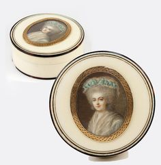 Antique French Snuff Box, Portrait Miniature Mount in 18k Gold, c.1780-1830. Miss Adelaide, Versailles Palace