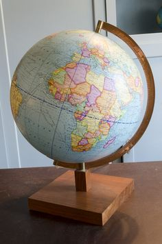 Globe terrestre « La Bruyère www.brocantedelabruyere.com