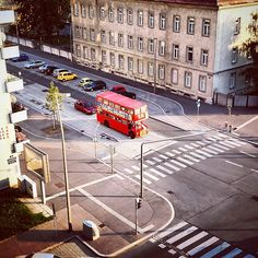 #vienna #london #bus London Bus, Vienna, Fair Grounds, Instagram Posts, Fun, Travel, Viajes, Destinations, Traveling