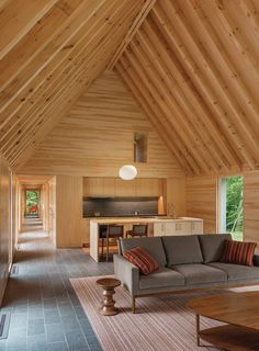 HGA Architects have designed a group of cottages ( Marlboro Music Cottages) to provide senior musicians accommodation at the Marlboro College campus in Marlboro, Vermont. Cape Cod Style House, Wooden Cottage, Casas Containers, Contemporary Cottage, Contemporary Classic, Contemporary Interior, Cottage Design, Cottage Style, House In The Woods