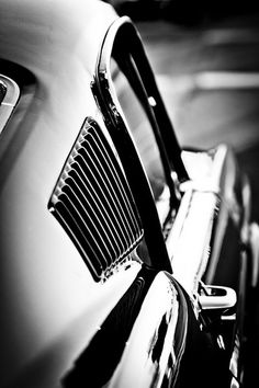 sports car in black and white (photography)