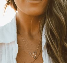 Emmaline Bride - Handmade Wedding Blog Can jewelry make you smile? We think so, especially when you take art and turn it into jewelry. There is no better way to make a drawing last forever than… Handmade Wedding Blog