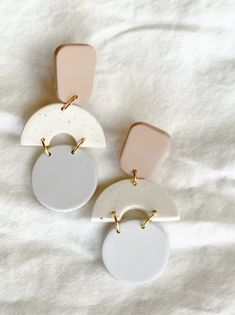 Diy Earrings Polymer Clay, Paper Earrings, Polymer Clay Flowers, Polymer Clay Charms, Handmade Polymer Clay, Earrings Handmade, Polymer Clay Tutorials, Art Deco Earrings, Clay Design