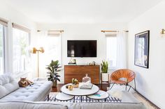 """Rue on Instagram: """"When Managing Editor @kellilamb_ moved from San Francisco to Los Angeles, she turned to @homepolish for a little design help. @haleyweidenbaum of #homepolishLA worked her magic and voila! See the full tour in #averymerryrue. ➡️ ruemag.com,  by @tessaneustadt // (All product sources tagged.)"""""""