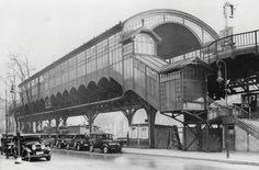 Ausgebaute Fassade: Um 1930 ist der U-Bahnhof Möckernbrücke gewachsen. Die Automobile dominieren mittlerweile auf der Straße.