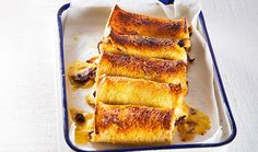 Every country has their own version of a toasty – try these cheese rolls from New Zealand on a cold day with hot soup. Cheese Roll Recipe, Cheese Recipes, Cooking Recipes, Savoury Recipes, New Zealand Food, Cheese Rolling, Cheese Dishes, Delicious Sandwiches, Hot Soup
