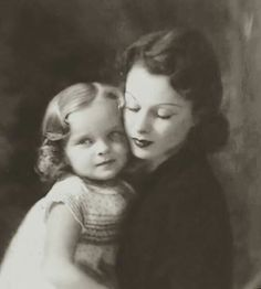 Vivien and daughter Suzanne c 1937. I believe this was taken by Marcus Adams, who also photographed Vivien as a child.