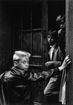 by Gunnar Smoliansky, Sodermalm, 1959 Classic Photography, Black And White Photography, Street Photography, Art Photography, Stockholm, Photo Dream, Let's Have Fun, Celebrity Portraits, Teenage Years