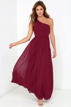 Saunter on by in the Painted Words Wine Red Maxi Dress and watch as heads turn! Fine pleated details form a one shoulder bodice with cutout back detail. Red Bridesmaid Dresses, Grad Dresses, Wine Dress, Long Cocktail Dress, Cocktail Dresses, Sophisticated Dress, Red Gowns, Strapless Dress Formal, Strapless Maxi