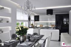 Średnia otwarta kuchnia z wyspą, styl glamour - zdjęcie od CUBE Interior Design kitchen inspiration | glamour | modern | black and white | elegant | luxury | isnpiration