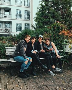 the vamps, tristan evans, and james mcvey image Bradley Simpson, Vamps Band, Will Simpson, New Hope Club, Eleanor Calder, Perrie Edwards, Celebs, Celebrities, Liam Payne