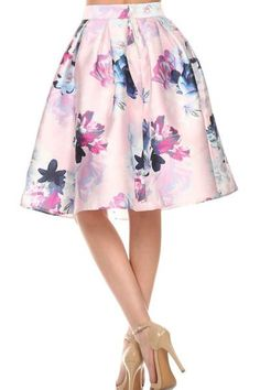 Jump into spring with this beautiful floral skirt.It features a fitted waistband,tuck details that create lovely flare and a midi length. Style it with a white crop top for a fresh spring races outfit!     Cold Hand Wash Only Polyester Model wears a size S Model's height167cm Prints may vary according to sizes Imported   -