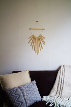 Upcycled Wooden Wall Hanging by Upcycle Society // Circulaire ontwerp