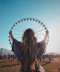 Lesson Strategy Coachella The post Lesson Strategy & Kunstfotos appeared first on Photography . Artsy Fotos, Artsy Bilder, Artsy Pics, Tumblr Photography, Girl Photography Poses, Creative Photography, Photography Music, Photography Lighting, Digital Photography
