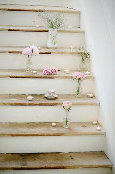 tea lights & rose idea