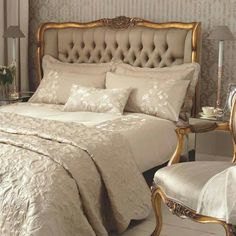 ~ Living a Beautiful Life ~ Gold French Style Bed, luxurious bedroom : Beau Decor My French Country Home, French Country Bedrooms, Country Homes, French Country Bedding, Southern Homes, Country Decor, Country Style, Dressing Design, Upholstered Beds