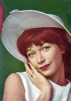 hollyhocksandtulips:    Shirley MacLaine