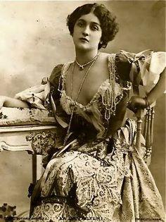 Fornasetti's Muse, Lena Cavileri