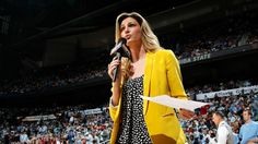 Erin Andrews- Yellow Blazer  Great Color for sideline reporting