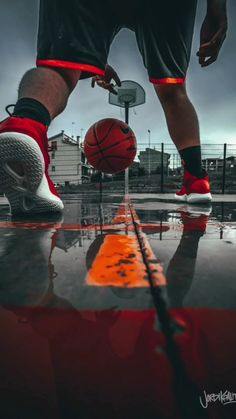 ( on TikTok: sail! Basketball Senior Pictures, Sports Basketball, Nike Football, Outdoor Photography, Creative Photography, Urbane Fotografie, Athletic Models, Michael Jordan Basketball, Basketball Photography