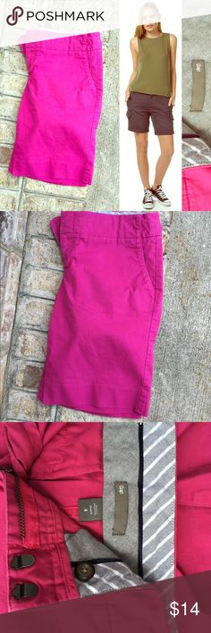 ⭐️Gap Hot Pink Cargo Shorts Size 4⭐️ ⭐️Gap Hot Pink Cargo Shorts Size 4⭐️Excellent Condition! Next day shipping. Pockets in the front. Perfect for summer! Gap brand. All sales are final. GAP Shorts Cargos