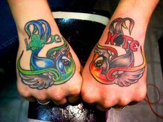 evil new school tattoos | hirondelle et dés old school modèle tatouage hirondelle old school