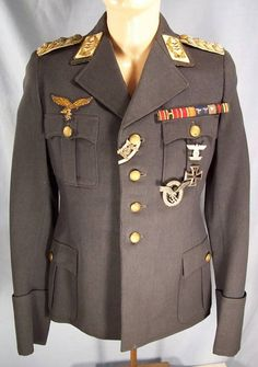 Luftwaffe General der Flieger tunic and White topped visor