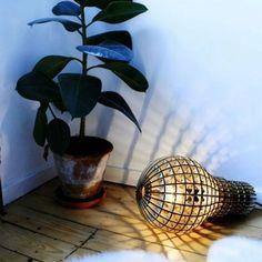 Trendygeschenken - wooden bulb vloer