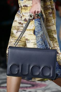 Gucci Spring 2016 Ready-to-Wear Accessories Photos - Vogue - cheap purses and handbags, authentic designer handbags, inexpensive leather handbags Burberry Handbags, Chanel Handbags, Fashion Handbags, Purses And Handbags, Luxury Bags, Luxury Handbags, Designer Handbags, Designer Bags, Sacs Design