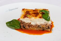 Traditional Greek Mousaka with organic aubergines ! Hotel Spa, How To Memorize Things, Greek, Lunch, Organic, Restaurant, Meals, Traditional, Dinner