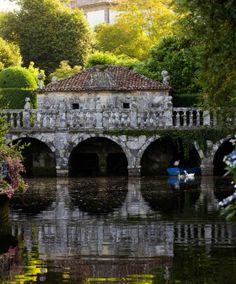 Garden, Pontevedra, Galicia Spain ~ Estanque y puente en el jardín del pazo de Oca / XURXO LOBATO