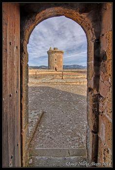Mallorca_Castell de Bellver La torre major, Balears  Spain