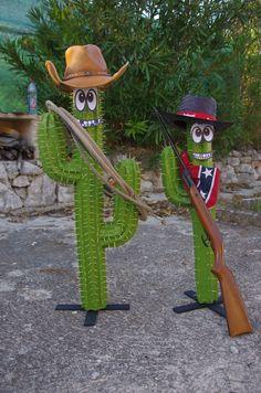 cactus en papier mâché Cowboy Theme, Cowboy Party, Western Theme, Cowboy Birthday, Farm Birthday, Anniversaire Cow-boy, Wild West Theme, Day Of The Dead Party, Fiesta Party