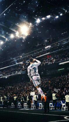 5 Amazing posters of Cristiano Ronaldo - SportsWhy