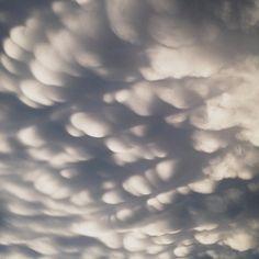 mammatus clouds, instagram by Gabriel Li