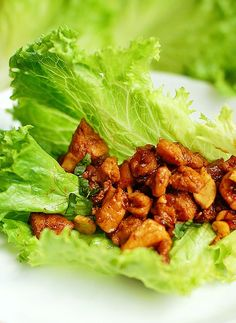 Chicken Cashew Lettuce Wraps shewearsmanyhats.com #chicken #lettuce #wraps