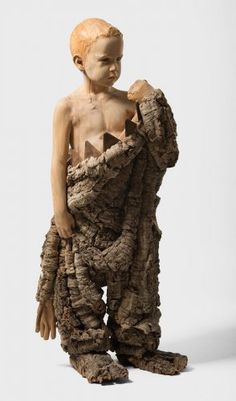 Wild, 2015. 113 x 49 x 40 cm. Xiprer i roure, suro i ferro Ciprés y roble, corcho y hierro Oak and cypress wood, cork and iron