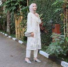 Kebaya Muslim, Kebaya Modern Hijab, Kebaya Hijab, Kebaya Dress, Dress Pesta, Modern Hijab Fashion, Muslim Dress, Muslim Fashion, Muslimah Wedding Dress