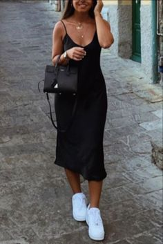 2020 spring outfits plus size - 2020 spring outfits Slip Dress Outfit, Black Slip Dress, Black Dress Outfits, Summer Dress Outfits, Spring Outfits, Casual Dresses, Black Summer Outfits, Dress And Sneakers Outfit, Slip Dresses