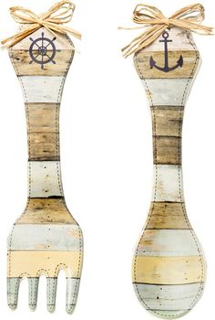 2 Piece Nautical Design Ceramic Wall Décor Set from Gifts by Fashioncraft