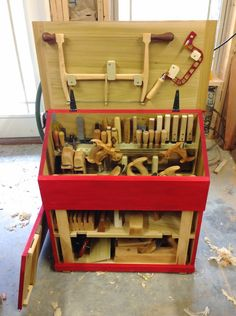 Caleb James Chairmaker Planemaker: See You In Charleston! Woodworking Organization, Workshop Organization, Woodworking Projects, Router Woodworking, Carpentry Projects, Wood Projects, Tool Box Diy, Tool Tote, Shop Storage