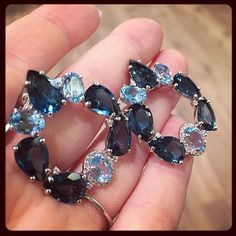 """Loving the mix of shapes and shades in these @vianna_brasil London blue topaz #earrings! #VICENZAORO"""