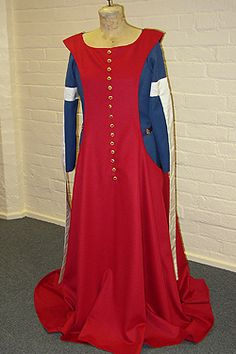 NINYA MIKHAILA - HISTORICAL COSTUMIER C14th costume made for Historic Royal Palaces at the Tower of London.