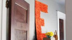 Você pode fazer letras grandes decoradas para decorar o quarto de seus filhos ou até mesmo a sala de sua casa.