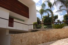 Casa Michelle - Edgar Marin - Blog y Arquitectura Tropical, Marines, House Plans, Garage Doors, Stairs, Exterior, Mansions, Terra, House Styles