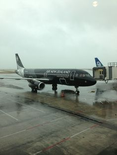 Air New Zealand, Classic Image, Airports, Auckland, Motorbikes, Four Square, Planes, Trains, Aviation