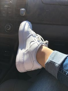Jordan Shoes Girls, Girls Shoes, Nike Shoes Air Force, Nike Air, Girl Photo Poses, Girl Photos, Creative Instagram Stories, Hype Shoes, Girly Pictures