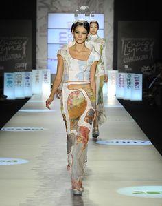 Ciudad Piel (Adolfo Bernal) · JUAN VANEGAS · Colombiamoda 2011  Semestre: sexto · Diseño de Modas · Colegiatura Colombiana · Medellín-Colombia