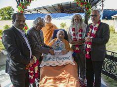 APJ Apdul Kalam meets HDH Pramukh Swami Maharaj